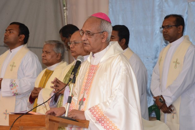 Bishop Moses Costa and other Priests in the Diang Pilgrimage