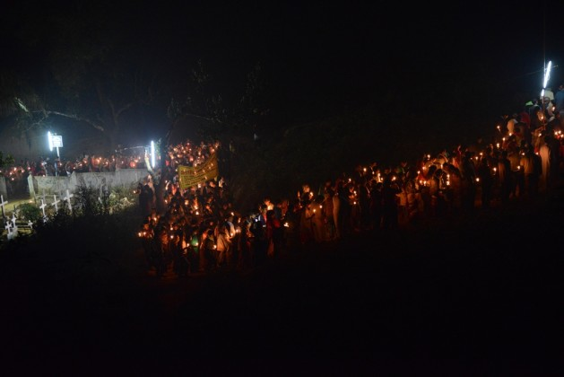 Candle light procession in Diang Pilgrimage (2)