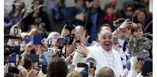 Pope marks World Youth Day in Angelus address