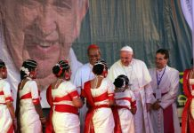 Pope Francis greeted cultural program performers in NotreDame College